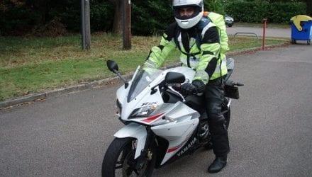 Does hi-viz motorcycle clothing work?