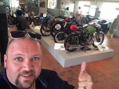 Kawasaki ZZR1400 Motorcycle Review